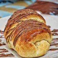Maison Du Croissant: Baked a la Minute for Your Pleasure