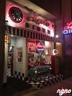 Lori's Diner: A Typical American Diner in San Francisco
