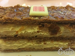 Fauchon: A Golden Luxury Eclair at Mall of the Emirates